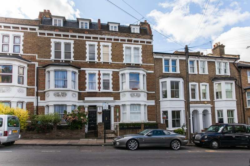 Flat in  Mallinson Road  Battersea  London  SW11  Richmond