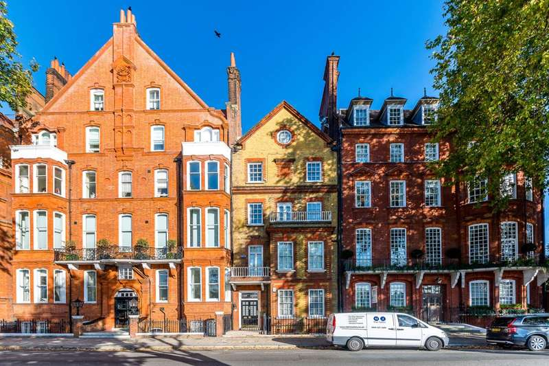 Flat in  Chelsea Embankment  Chelsea  SW3  Richmond