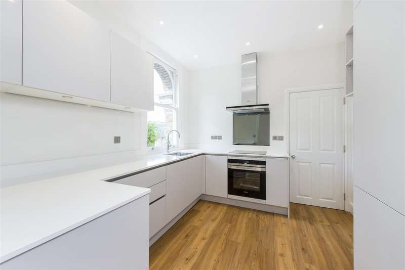 Flat in  Lancaster Grove  London  NW3  Richmond