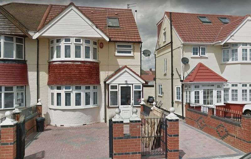 House in  Munster Avenue  Hounslow  TW4  Richmond