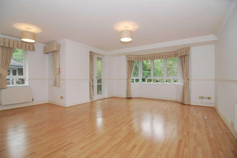 Flat in  May Bate Avenue  Ham  Kingston Upon Thames  KT2  Richmond