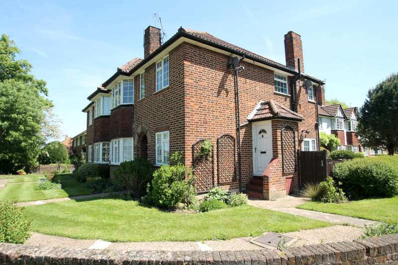 Flat in  Portsmouth Road  Thames Ditton  KT7  Richmond