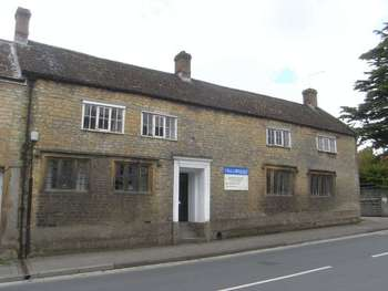 6 Bedrooms Semi Detached House for sale in South Street, Crewkerne
