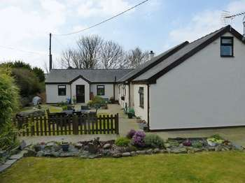 3 Bedrooms Detached House for sale in Nebo