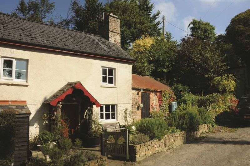 2 Bedrooms Cottage House for sale in UMBERLEIGH, TAW VALLEY - COSY COUNTRY COTTAGE