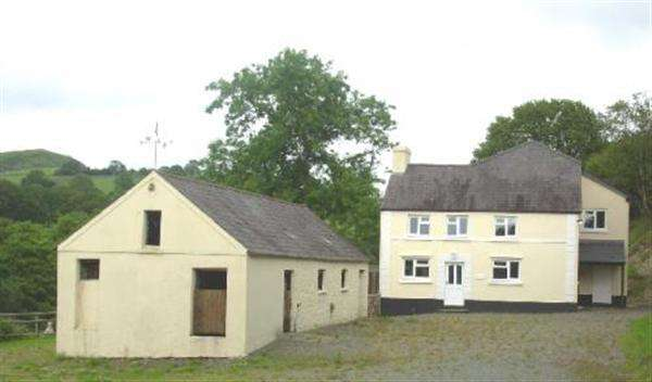 5 Bedrooms Detached House for sale in Garth, Ffarmers, North Carmarthenshire, Llanwrda