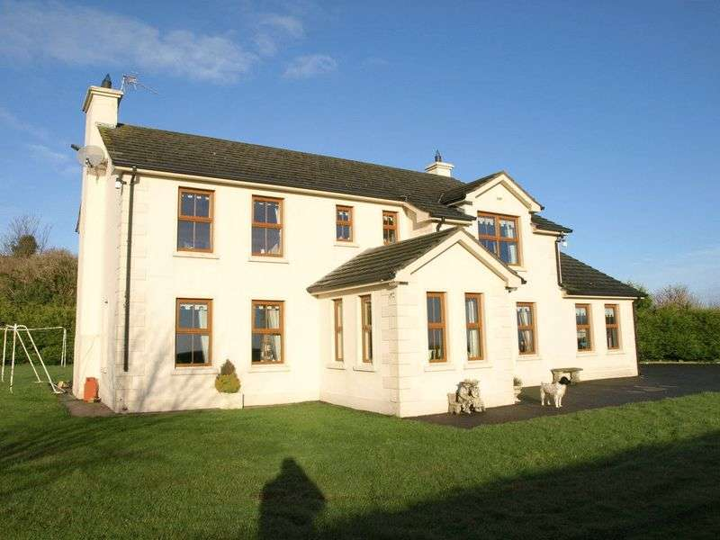 Detached House for sale in Two dwellings, Outbuildings and 12 Acres of Land