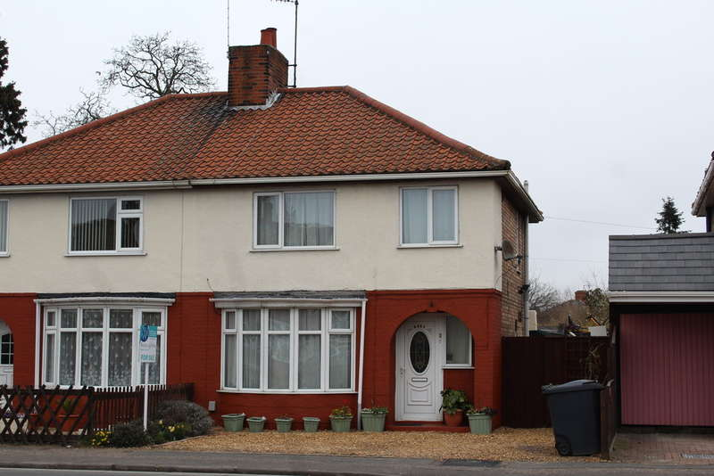 3 Bedrooms Semi Detached House for sale in Lincoln Road