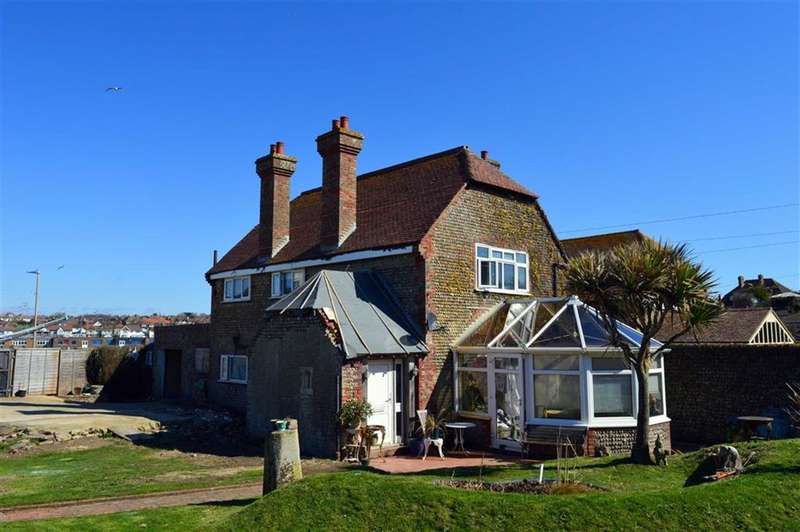 2 Bedrooms Property for sale in Cliff Road, Seaford, East Sussex