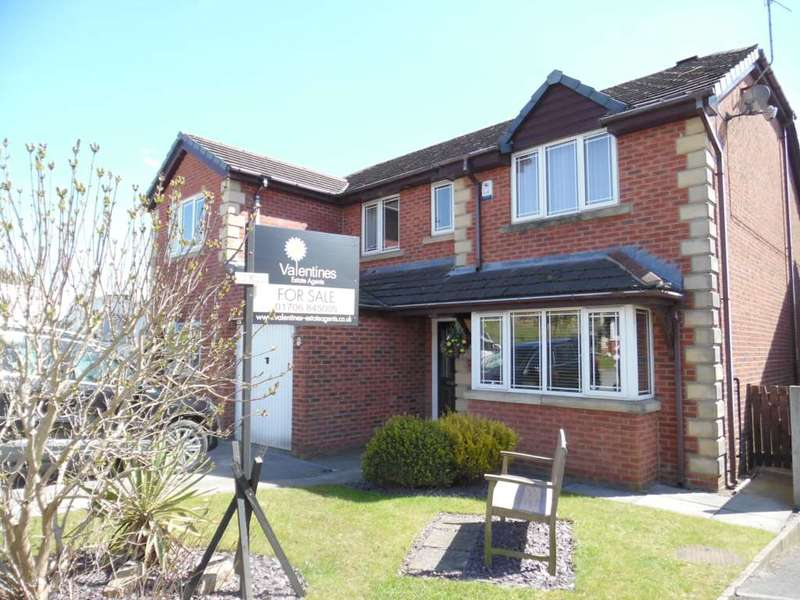 5 Bedrooms Detached House for sale in Lowerfields Rise, Shaw