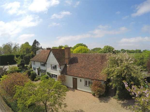 4 Bedrooms Detached House for sale in Great Canfield, Essex
