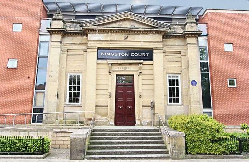 2 Bedrooms Flat for sale in Kingston Square, Hull