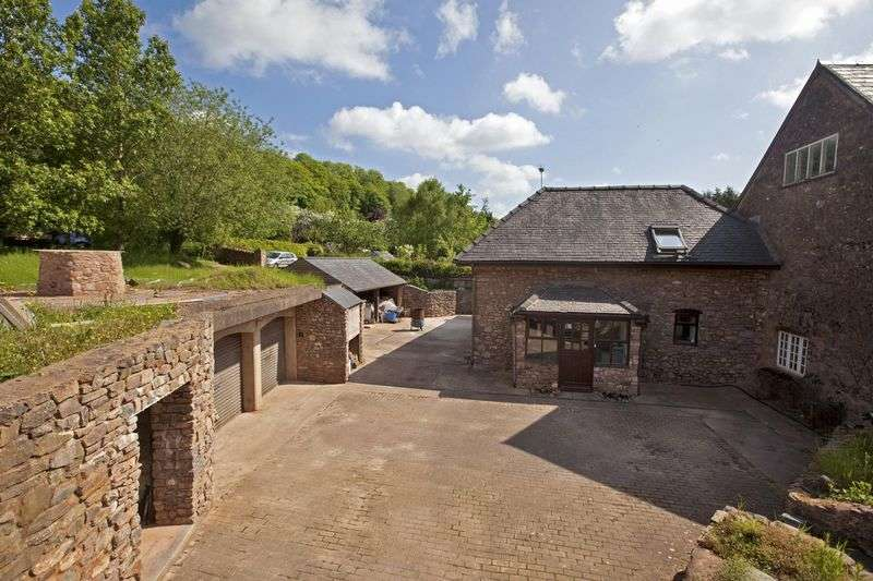 3 Bedrooms Detached House for sale in Canonsleigh, Tiverton