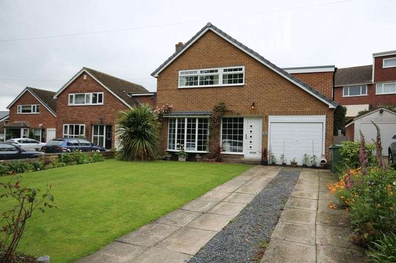 4 Bedrooms Detached House for sale in Park Lane, Leeds