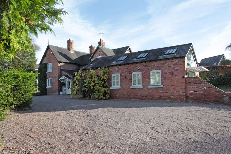 3 Bedrooms House for sale in 3 bedroom House Detached in Tiverton