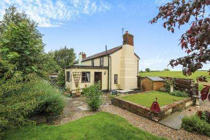 2 Bedrooms Semi Detached House for sale in Kenton, Stowmarket, Suffolk