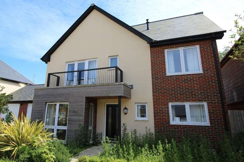 4 Bedrooms Detached House for sale in Buttercup Drive, Polegate, BN26