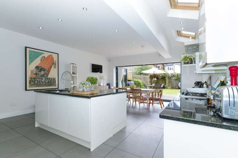 5 Bedrooms End Of Terrace House for sale in Ribblesdale Road, London, SW16