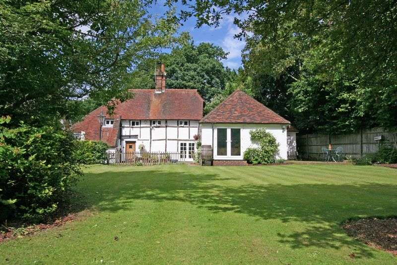 3 Bedrooms Detached House for sale in 3 bedroom period cottage with 1 bedroom annexe