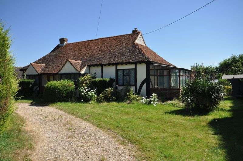 3 Bedrooms Detached Bungalow for sale in Ivy Lane, East Mersea, Essex, CO5 8US