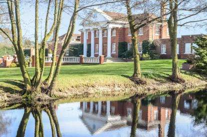7 Bedrooms Detached House for sale in Albyns Lane, Stapleford Tawney, Romford, Essex
