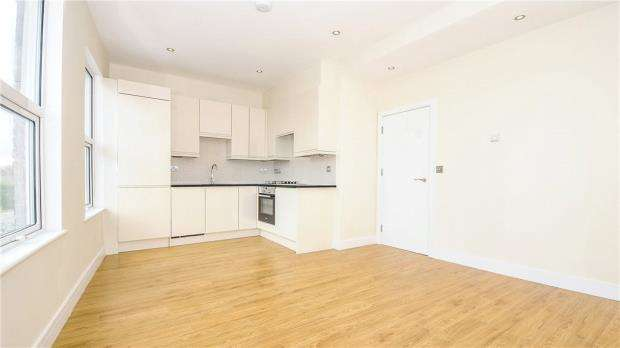 6 Bedrooms Detached House for sale in 157 Stanwell Road, Ashford, Surrey, TW15 3QN