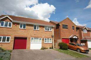 3 Bedrooms Semi Detached House for sale in Anderson Close, Newhaven, East Sussex
