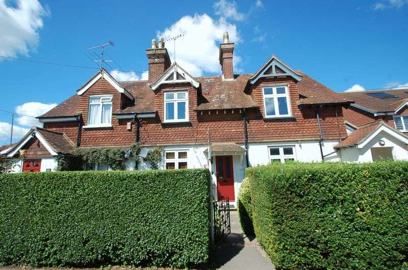 2 Bedrooms House for sale in Andlers Ash Road, LISS, Hampshire