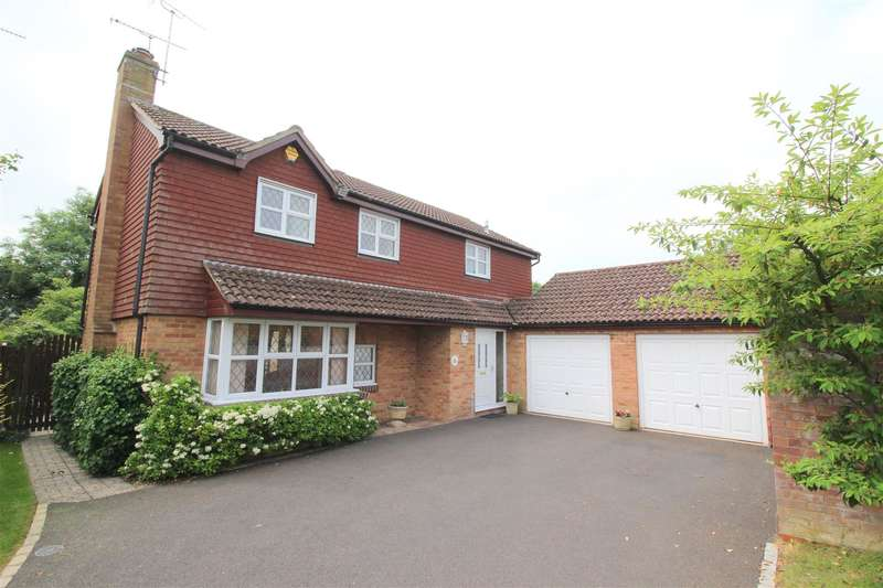 4 Bedrooms Property for sale in Tudor Close, Chippenham