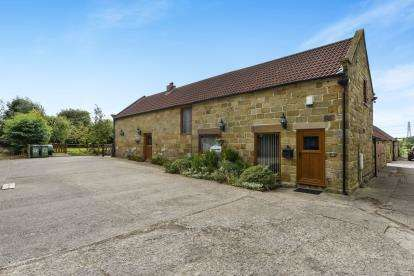 4 Bedrooms Barn Conversion Character Property for sale in Staddlebridge Farm, Staddlebridge, Northallerton