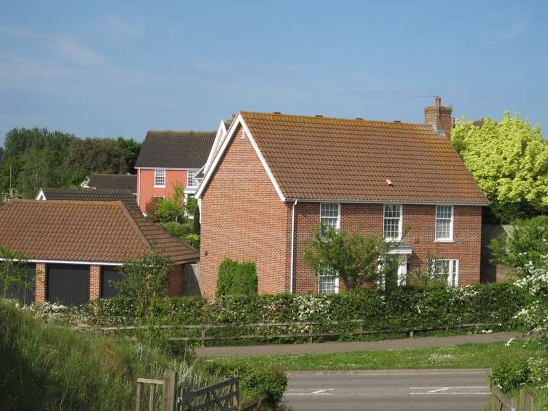 4 Bedrooms Detached House for sale in Newby Close, Halesworth