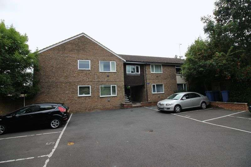 1 Bedroom Flat for sale in Crouch Court, Harlow, CM20