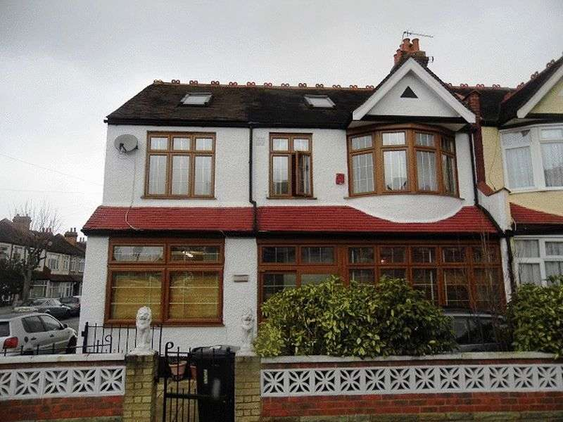 7 Bedrooms Terraced House for sale in Leander Road, THORNTON HEATH CR7 6JW