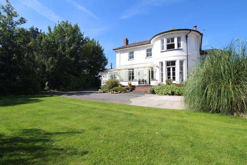 5 Bedrooms Detached House for sale in Northam Road, Bideford