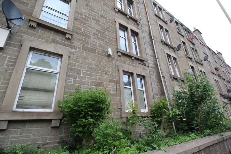 2 Bedrooms Flat for sale in Sibbald Street, Dundee, DD3