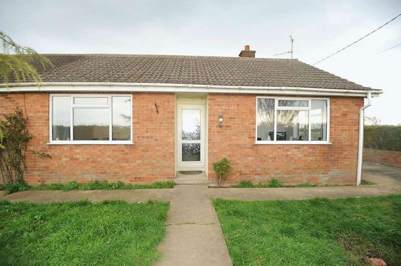 4 Bedrooms Detached Bungalow for sale in With 6.5 Acres of Land With Paddocks And Stabling, Spalding Road PE10 0AU