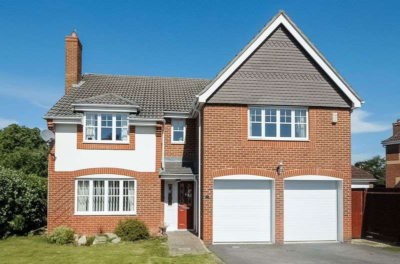 5 Bedrooms Detached House for sale in Draytons View, Greenham