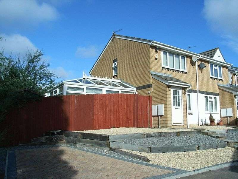 2 Bedrooms Semi Detached House for sale in Brookfield Avenue, Barry