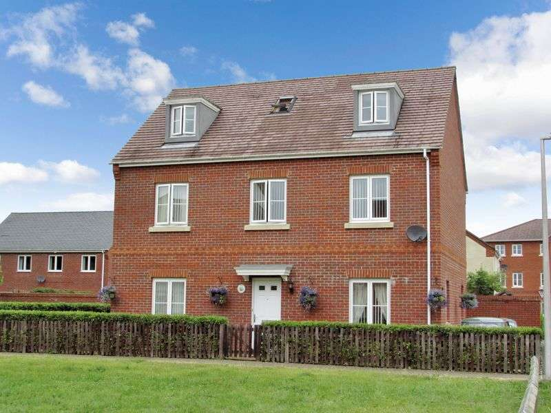 5 Bedrooms Detached House for sale in Military Drive, Thatcham
