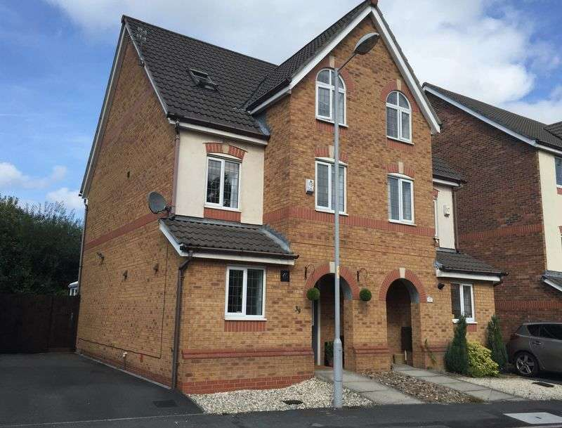 3 Bedrooms Semi Detached House for sale in Northumberland Way, Manchester
