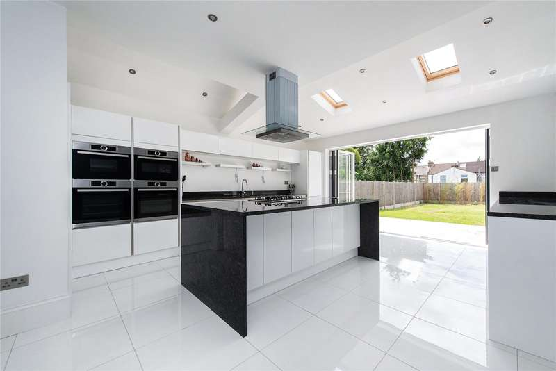 5 Bedrooms Semi Detached House for sale in Whitworth Road, South Norwood