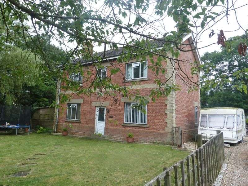 3 Bedrooms Detached House for sale in Sloothby, Alford
