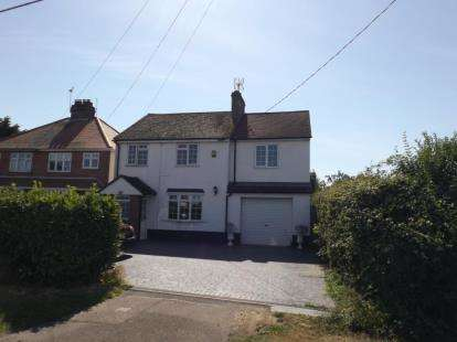 3 Bedrooms Detached House for sale in Kirby Cross, Frinton-on-Sea, Essex