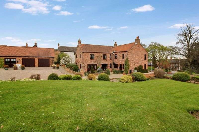5 Bedrooms Detached House for sale in Cross Hill, Laxton