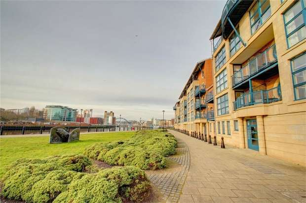 3 Bedrooms Flat for sale in Mariners Wharf, Newcastle upon Tyne, Tyne and Wear, UK