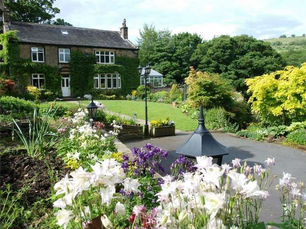 6 Bedrooms Detached House for sale in Stoney Bank Lane, New Mill, HOLMFIRTH, West Yorkshire