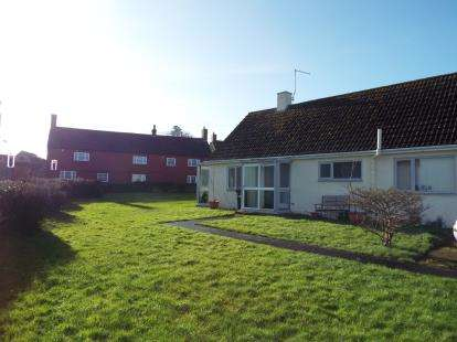 3 Bedrooms Bungalow for sale in Yenston, Templecombe, Somerset