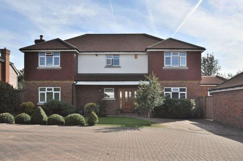 5 Bedrooms Detached House for sale in Waterview Close, Bexleyheath