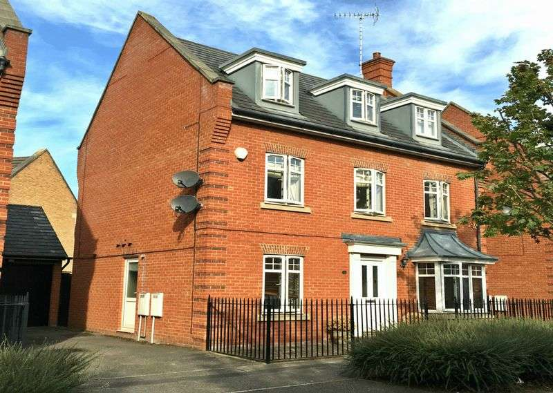 5 Bedrooms Detached House for sale in Academy Fields Road, Gidea Park