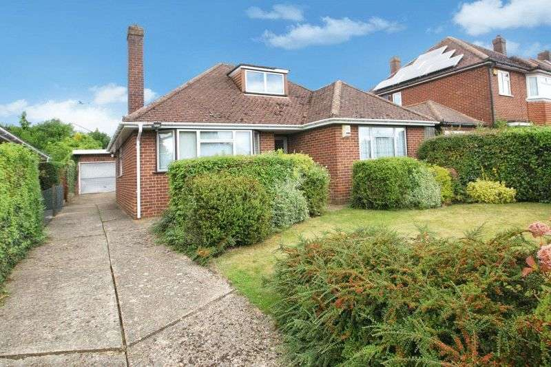 3 Bedrooms Detached Bungalow for sale in Newmer Road, High Wycombe